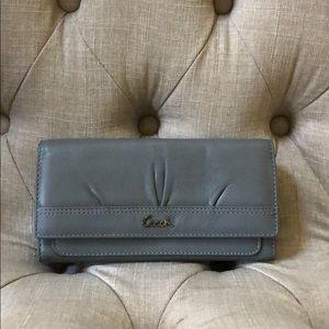 EUC-Coach Soho Gray Pleated wallet